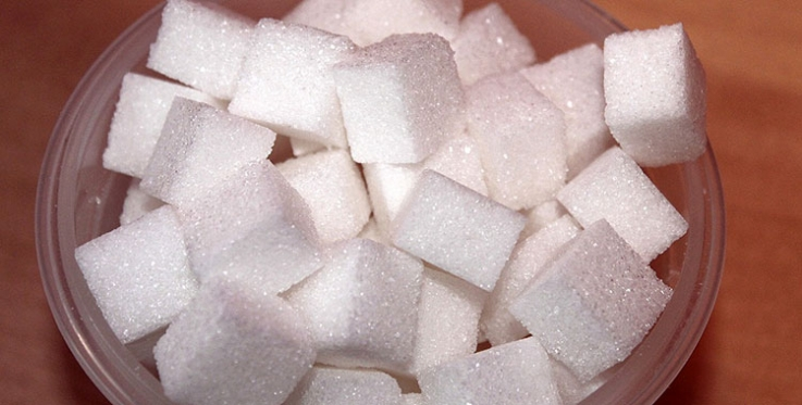 Reducing sugar in processed food