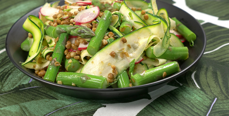 Asparagus and courgette salad with lentils and mint