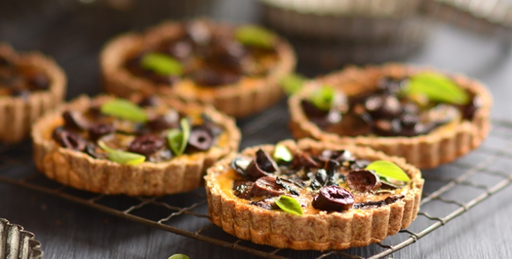 Caramelised onion and mushroom tart recipe