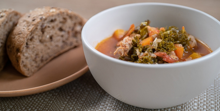 Chicken and kale soup with wholemeal bread