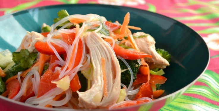 chicken pineapple and vermicelli salad with capsicum and broccoli