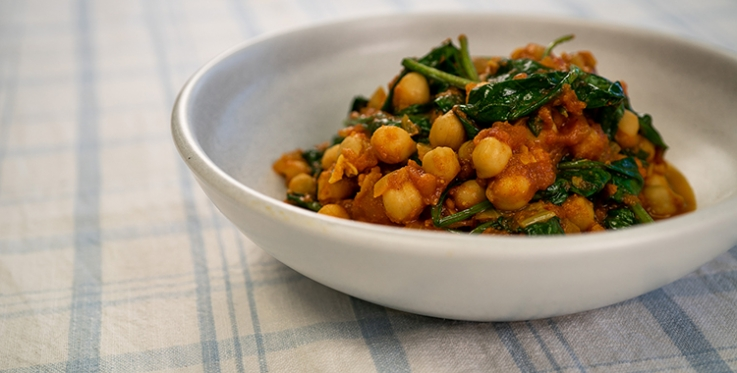 spicy and delicious chickpea and tomato curry