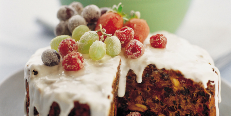 Traditional christmas cake with amazing frosted fruit heart foundation a stunning fruit cake forumfinder Image collections