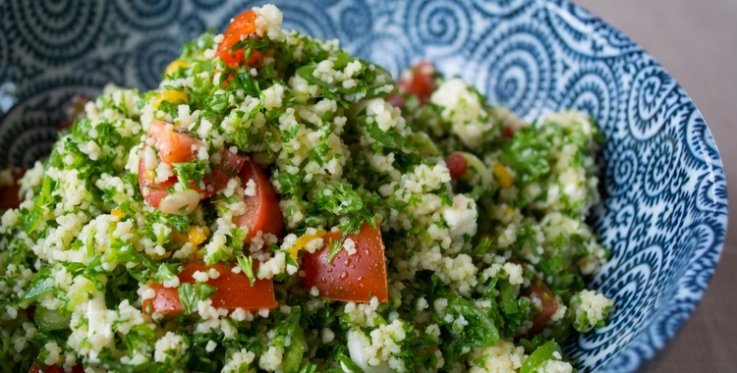 couscous tabbouleh with tomatoes and parsley