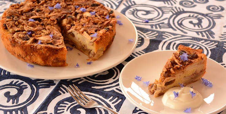 Delicious and healthy sliced apple cake