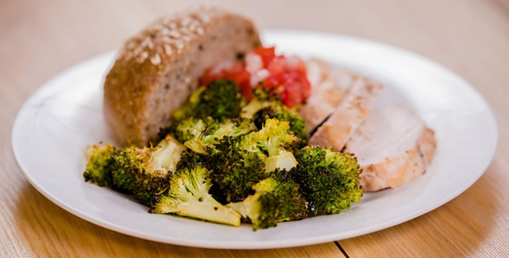 Delicious roasted broccoli salad recipe